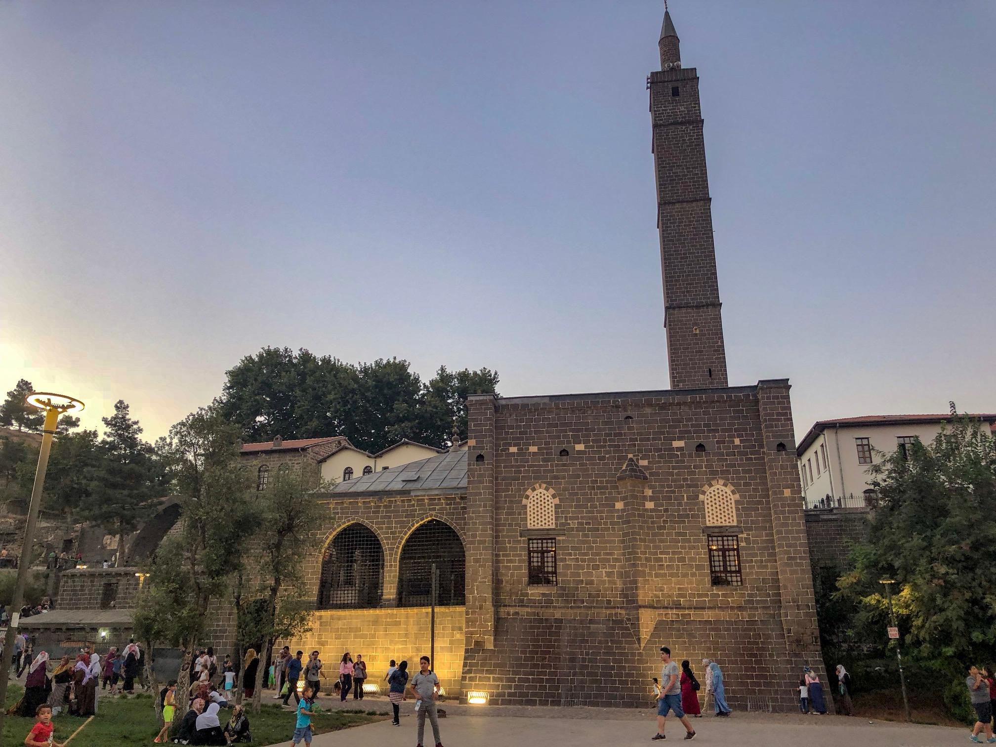 Hz. Süleyman Camii - Diyarbakır Gezilecek Yerler