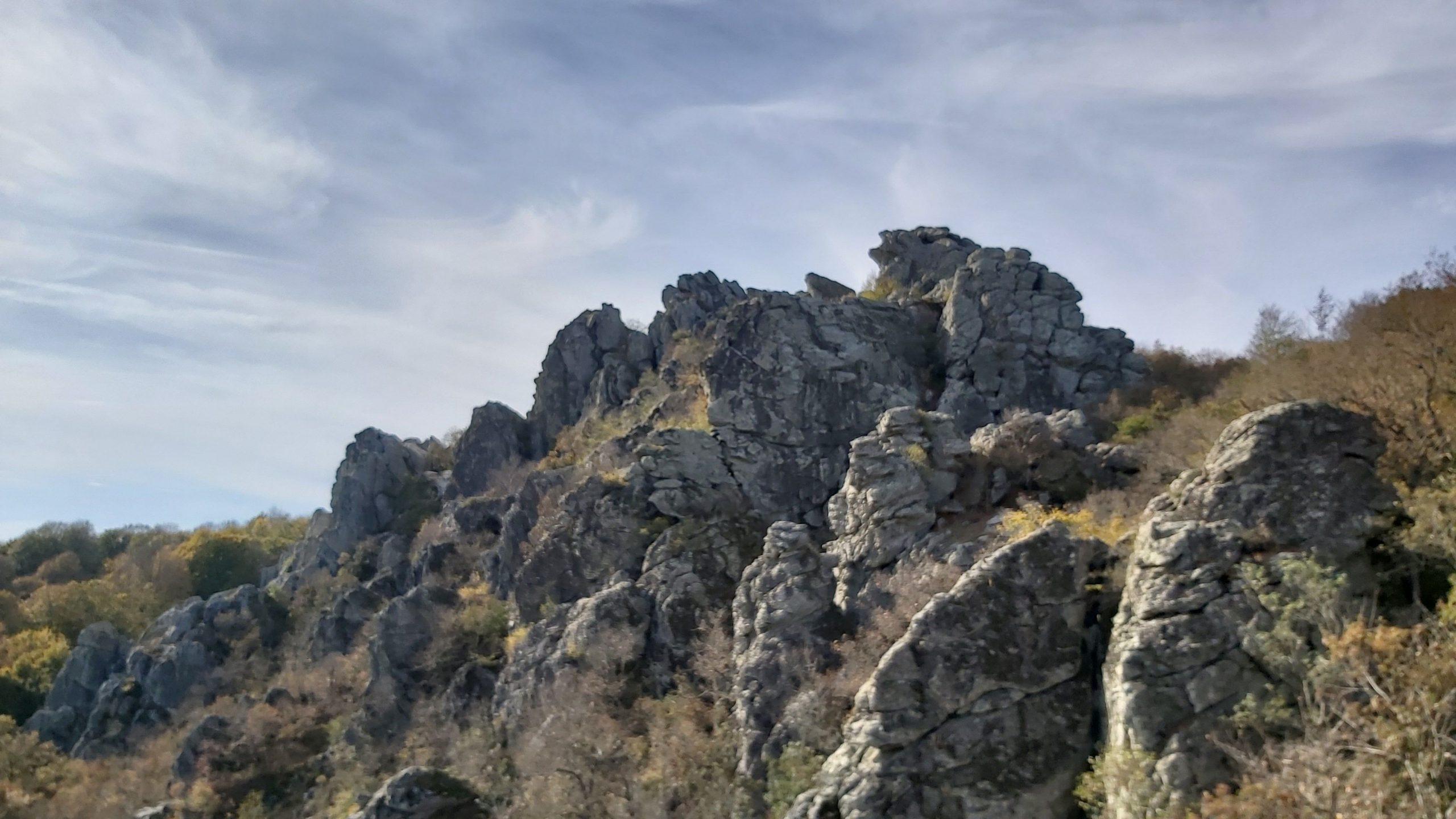 Monopetra Kayalıkları